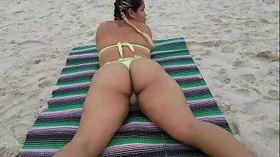 My Prima is displaying up and looking for masculine Well gifted on the Beach !!!