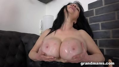 plumper granny cums after Years!